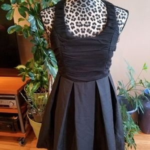 Forwver 21 Twist ruched little black dress sz S